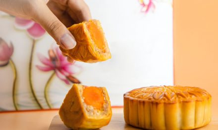 How to Learn New Moon Cake Flavors Using Mandarin